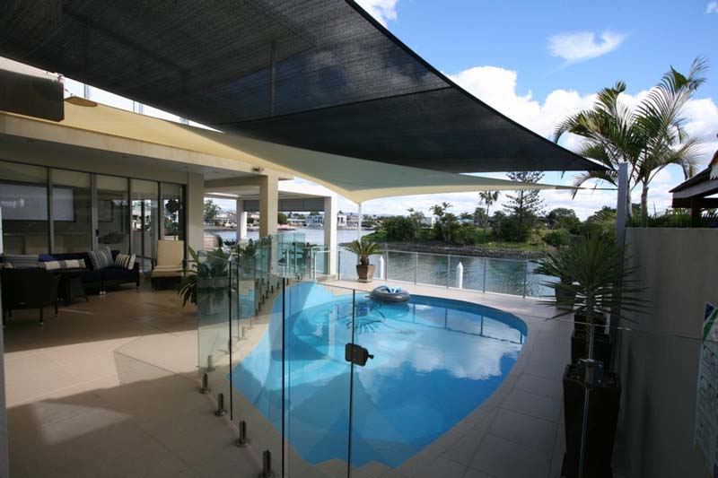 beustify the swimming pool areas with shade sails